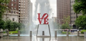 2014-02-06-LoveParkstatue_Philly_editorialonly_cMarcoRubino_shutterstock_146655779crop